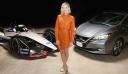 Η Margot Robbie πρωταγωνιστεί στην εκδήλωση της Nissan Formula E!
