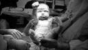 Το μωρό-Σούπερμαν: Viral έγινε η πρώτη φωτογραφία της ζωής του