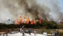 Μεγάλη πυρκαγιά στην Πρέβεζα – Κάηκε εργοστάσιο, θερμοκήπιο και απειλούνται σπίτια