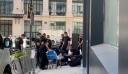 Παρίσι: Με κοστούμια και αυτόματα οι ληστές του Bvlgari – Πώς φυγαδεύτηκαν τα κλοπιμαία