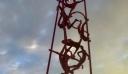 Θεσσαλονίκη: Αποκαλυπτήρια στο γλυπτό «Meteoron» – Δείτε φωτογραφίες
