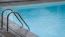 Στα δικαστήρια ο πατέρας των κοριτσιών που πνίγηκαν στην πισίνα στη Ρόδο