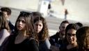 Οι νέοι Έλληνες γυρίζουν την πλάτη στο δημόσιο!