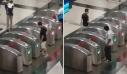 Μπήκε και βγήκε από τις ίδιες μπάρες του μετρό… 40 φορές