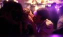 Το φιλί σε μπαρ της Κρήτης…. κόστισε ΠΟΛΥ ακριβά σε ζευγάρι στρατιωτικών!