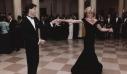Το εμβληματικό ''Travolta dress'' της πριγκίπισσας Diana σε δημοπρασία. Η ιστορία του