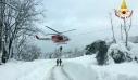 Οι ιταλικές Αρχές διέσωσαν 200 ανθρώπους που εγκλωβίστηκαν στα χιόνια