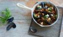 Μύδια σαγανάκι με ούζο και φέτα