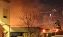 Μεγάλη φωτιά τώρα σε αποθήκη στην οδό Λιοσίων