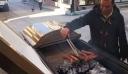 Ναύπλιο: Γραφείο τελετών έψησε σε φέρετρο για την Τσικνοπέμπτη (βίντεο)