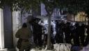 Αστυνομικοί για Κουκάκι: Μας πετούσαν τσιμεντόλιθους και σακούλες με περιττώματα