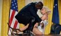 Μετανιωμένη για τη συνεργασία της με τον Ρ.Κέλι η Lady Gaga