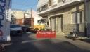 Πειραιάς: Φορτηγό έπεσε πάνω σε αυτοκίνητο και το διέλυσε