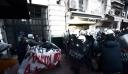 Ένταση στην Πανεπιστημίου μεταξύ αστυνομικών και συγκεντρωμένων για τον Δημήτρη Κουφοντίνα