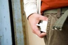 Καβάλα: Αστυνομικοί μπήκαν σε τουαλέτες σχολείων – για να βρουν… καπνιστές!