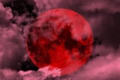 Δείτε το φαινόμενο «Ματωμένο φεγγάρι» που τράβηξε την προσοχή όλων