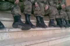 Ιδιωτικοποιήθηκαν και τα ΚΨΜ στο στρατό – Οι τιμές διπλασιάστηκαν!