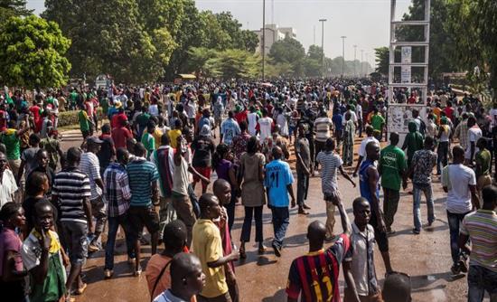 Μπουρκίνα Φάσο Ο στρατός διέλυσε το κοινοβούλιο και την κυβέρνηση