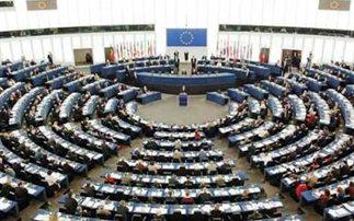 Πυρά κατά Τσίπρα στο Ευρωκοινοβούλιο