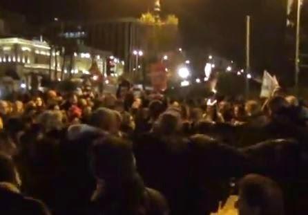 Η Πλατεία χόρεψε συρτάκι (βίντεο)