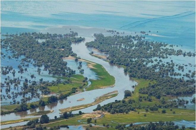 Απειλεί να πλημμυρίσει τις Σέρρες, ο ποταμός Στρυμόνας