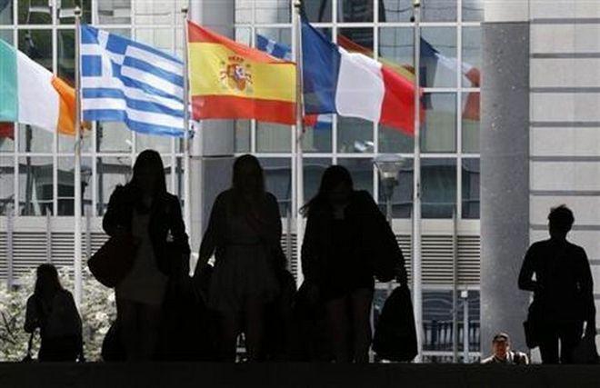 Ισπανός ΥΠΟΙΚ: Η Ελλάδα δεν θα πάρει ούτε ευρώ αν δεν εφαρμόσει τις μεταρρυθμίσεις