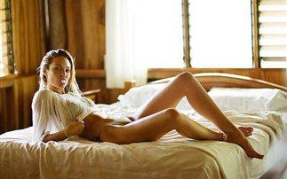 H Candice Swanepoel ανάβει φωτιές χορεύοντας (photos)