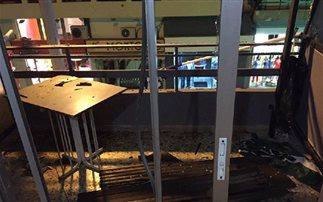 Έσπασαν τα γραφεία της Χρυσής Αυγής στα Χανιά