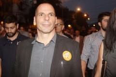 ΥΠΟΙΚ: Προβοκάτσια το δημοσίευμα των FT, υπονόμευση του δημοψηφίσματος – Tweet Βαρουφάκη
