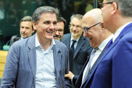 Το Eurogroup αποφασίζει για το δάνειο-γέφυρα ύψους 7 δισ. ευρώ