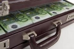 Υποσχόμαστε πόνο και δάκρυα σε όσους έστειλαν αδήλωτο χρήμα στο εξωτερικό ή τα πατίκωσαν στα σεντούκια