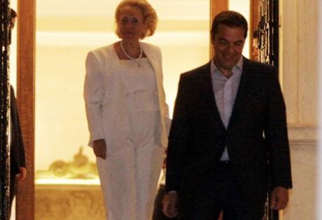 Ανέλαβε η πρώτη γυναίκα Πρωθυπουργός, Βασιλική Θάνου – Μετά από 213 ημέρες αποχώρησε από το Μαξίμου ο Αλ. Τσίπρας