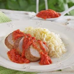 Χοιρινά φιλετάκια με σάλτσα κόκκινη πιπεριά και πάπρικα