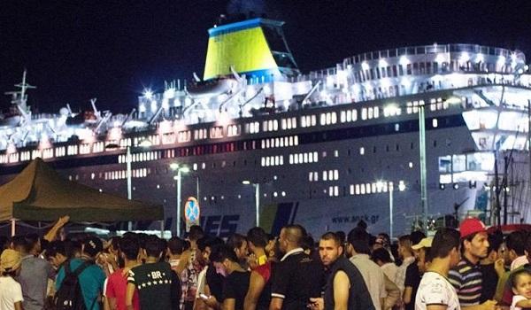 Μετανάστες απείλησαν το πλήρωμα του Ελευθέριος Βενιζέλος με προορισμό τον Πειραιά