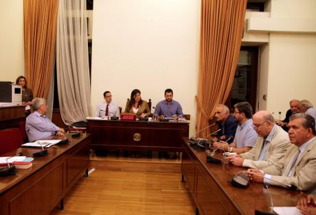 Ψήφο εμπιστοσύνης θα ζητήσει ο πρωθυπουργός – Με 222 ναι ψηφίστηκε το τρίτο μνημόνιο – Βαριές απώλειες για τον ΣΥΡΙΖΑ