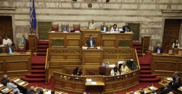 Υπερψήφιση του μνημονίου με τεράστιες απώλειες για ΣΥΡΙΖΑ – Βουλή
