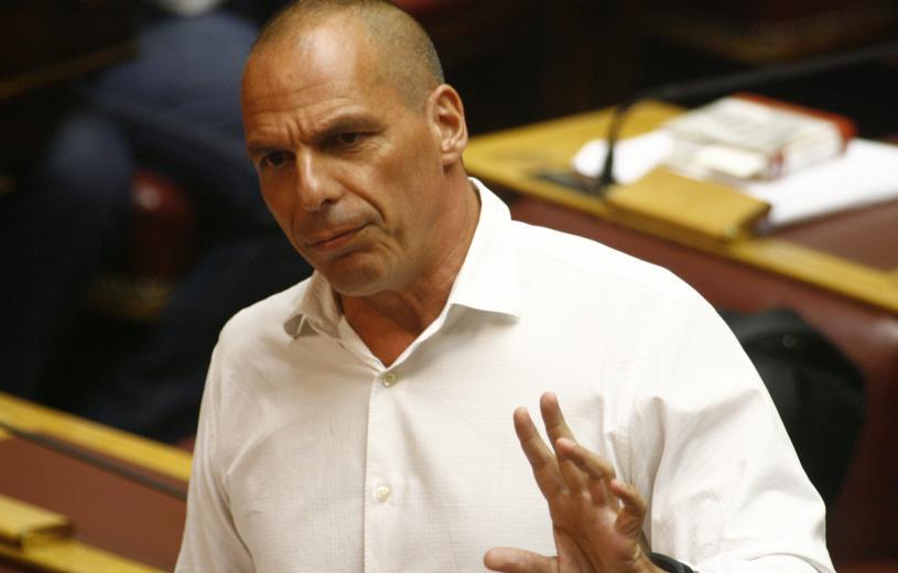Βαρουφάκης: Ο Τσίπρας αποφάσισε να παραδοθεί