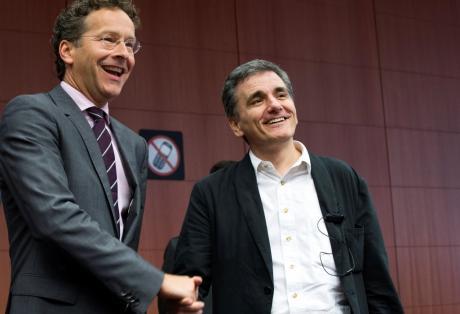 Λευκός καπνός από το Eurogroup – Πώς θα δοθούν τα πρώτα 26δισ. ευρώ – Εξασφαλισμένες οι καταθέσεις