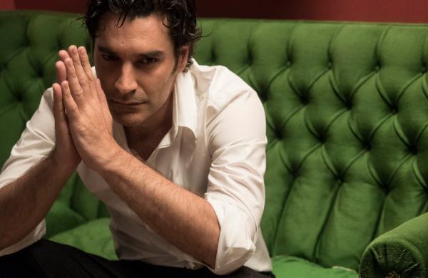 """Παρουσίαση ταινίας: Χριστόφορος Παπακαλιάτης –  Δείτε για πρώτη φορά το trailer της νέας του ταινίας """"Ένας άλλος κόσμος"""""""