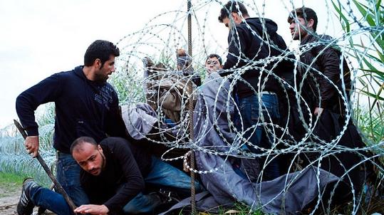 Παραιτήθηκε λόγω του μεταναστευτικού ο Υπουργός Άμυνας – Ουγγαρία
