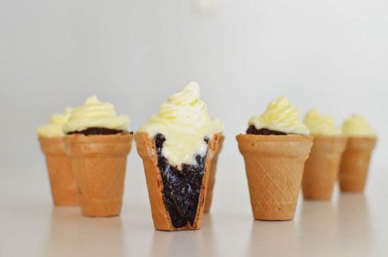 Brownies cupcakes μέσα σε χωνάκι