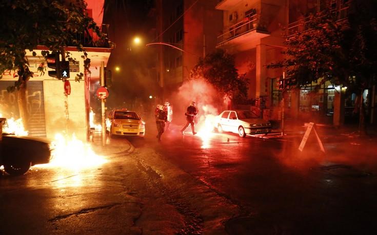 Εννέα συλλήψεις για την επίθεση με μολότοφ στο Αστυνομικό Τμήμα Εξαρχείων