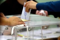Τι «δείχνουν» οι τελευταίες δημοσκοπήσεις λίγο πριν τις εκλογές της Κυριακής