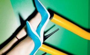 7 ζευγάρια χρωματιστές γόβες θα αναδείξουν τις casual εμφανίσεις σου