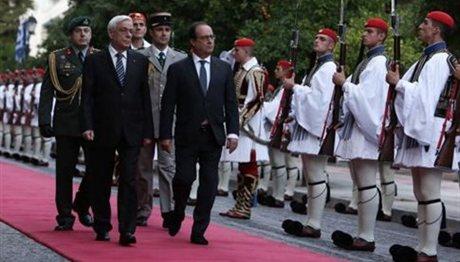 Ολάντ: «Η συζήτηση για το ελληνικό χρέος πρέπει να ξεκινήσει»