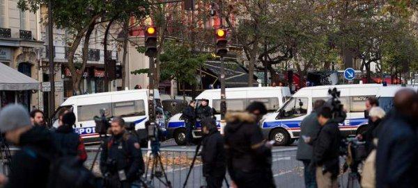 Παρίσι: Ο κόσμος φοβάται να βγει από το σπίτι του, η πόλη σε πολιορκία