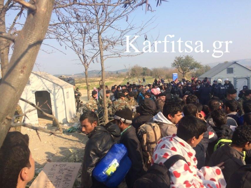 Reuters: Ε.Ε και Τουρκία «δίνουν τα χέρια» για το προσφυγικό
