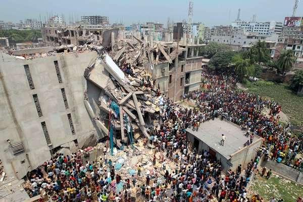 Πακιστάν: Δεκάδες νεκροί και τραυματίες από κατάρρευση εργοστασίου