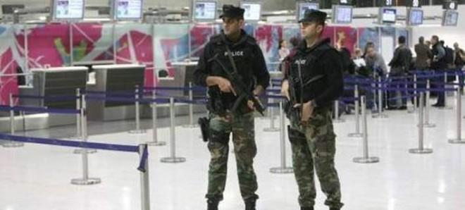 Στρατός στα αεροδρόμια της Κύπρου υπό το φόβο τρομοκρατίας