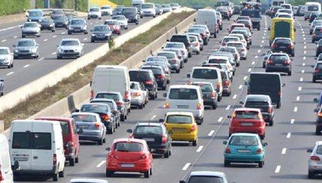 Νέα «βόμβα» για τα τέλη κυκλοφορίας: Μπαίνει φόρος στη… βενζίνη!
